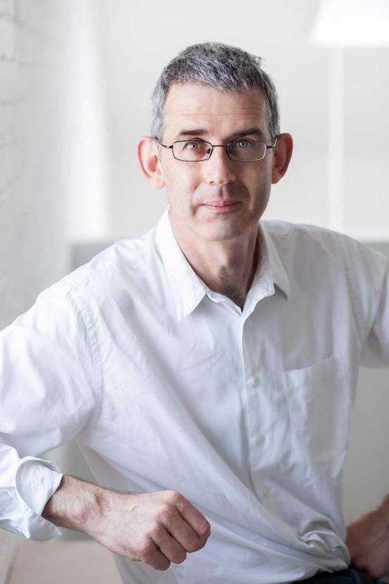 Portrait of Edmund de Waal. Photo: Ben McKee © Edmund de Waal